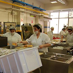 La nuova ristorazione dell azienda ospedaliero - Norme igienico sanitarie per le cucine di ristoranti ...