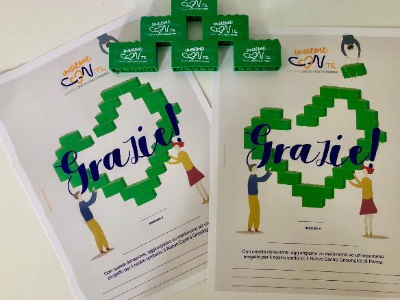 Immagine delle pergamene che vengono consegnate al donatore che dedica la sua donazione ad una ricorrenza o in ricordo di una persona cara.