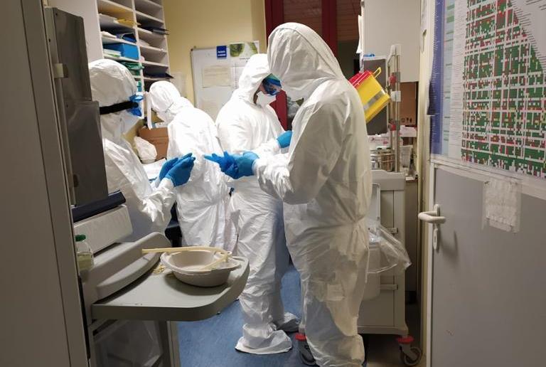 Oltre 700 gli infermieri nei reparti Covid del Maggiore | Azienda Ospedaliero-Universitaria di Parma